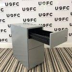 UOFC-Slimline-Silver-Pedestal-3