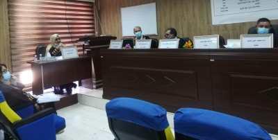 مدير قسم البعثات والعلاقات مناقشاً في جامعة صلاح الدين