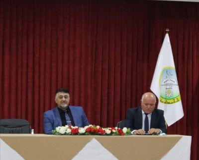 السيد رئيس الجامعة يلتقي بالكادر التدريسي والوظيفي في كلية الإدارة والاقتصاد