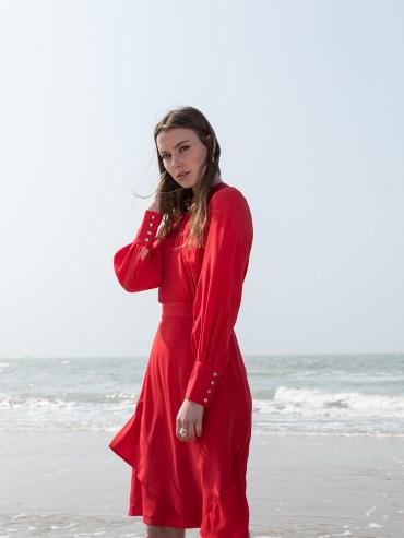 Robe ALEGRA de Catalina J, designeuse belge disponible sur l'eshop 100% belge Up & Down Hill. Créations éthiques