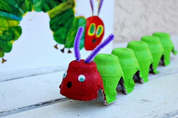 Pascua de cartón de huevo ideas del arte reutilizan niños oruga