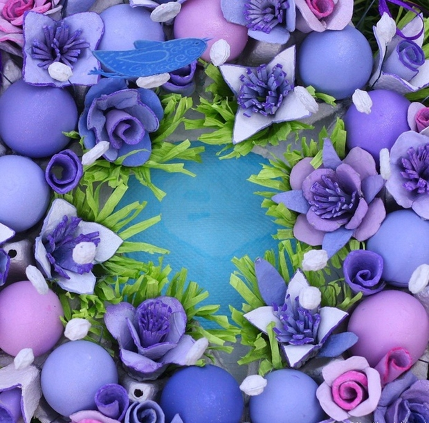 Pascua ideas del arte cartón de huevos reutilizar la corona de flores púrpura
