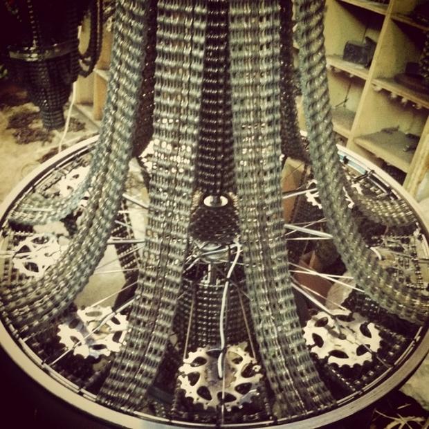 cadena de la bicicleta de la lámpara hecha a mano cavar lámpara colgante de hierro
