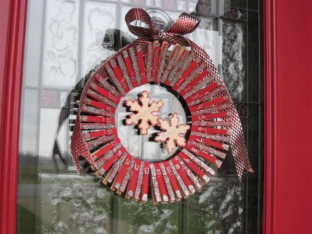 proyecto del calendario corona de puerta pinza de la ropa barata Upcycling
