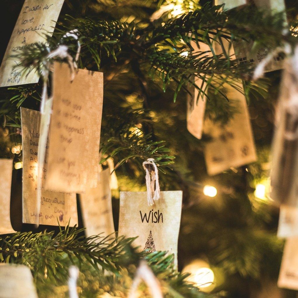 Wünsche am Weihnachtsbaum