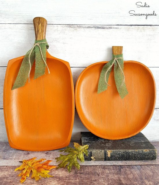 Upcycled pumpkins from monkey pod tray