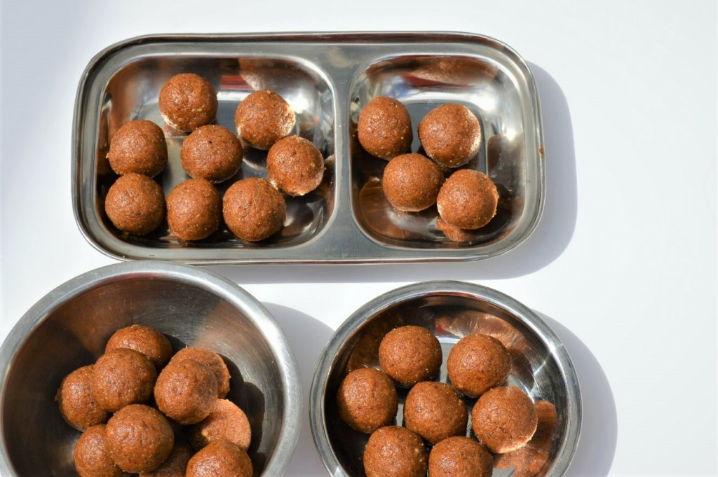 Healthy Sugar free Wheat ladoos made with walnuts and dates