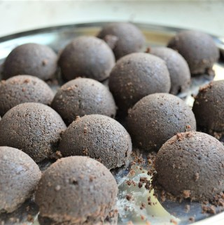 Ragi Chocolate truffles (Vegan, Date-Sweetened)