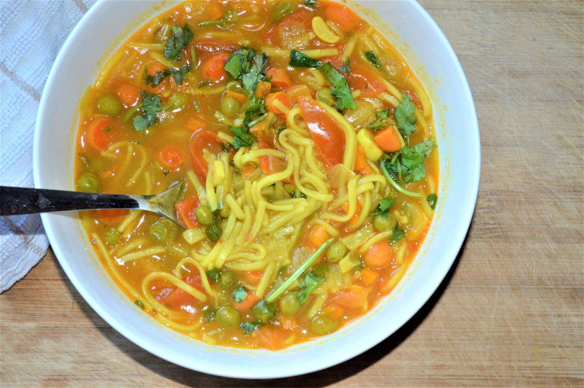 Thukpa vegan noodle soup
