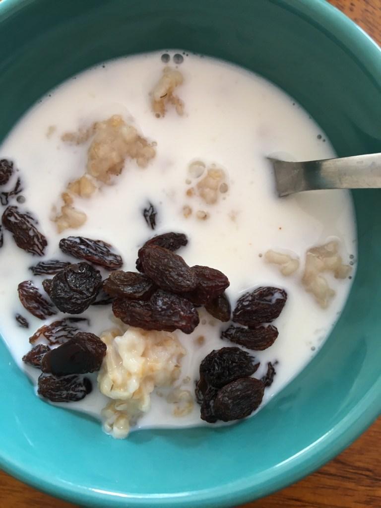 sweet oats with raisins