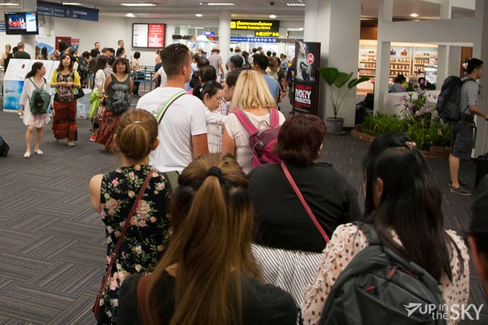 Chiang_Mai_airport_Security_rij
