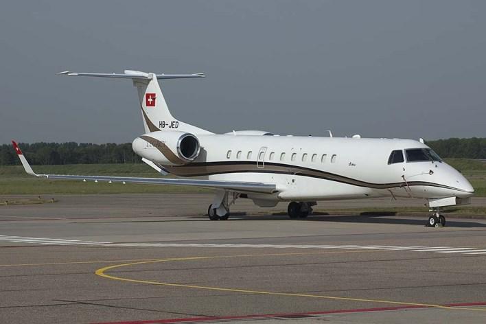 HB-JED Embraer 135 BJ Lecacy DiaMair (c) Remco de Wit