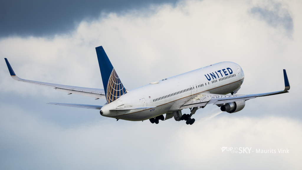 Passagiers onwel: 767 United keert terug naar schiphol