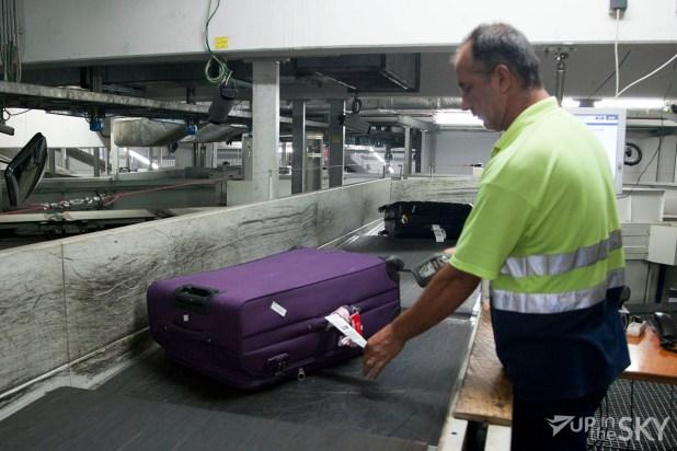 athene_airport_8_bagagekelder_koffer_scannen