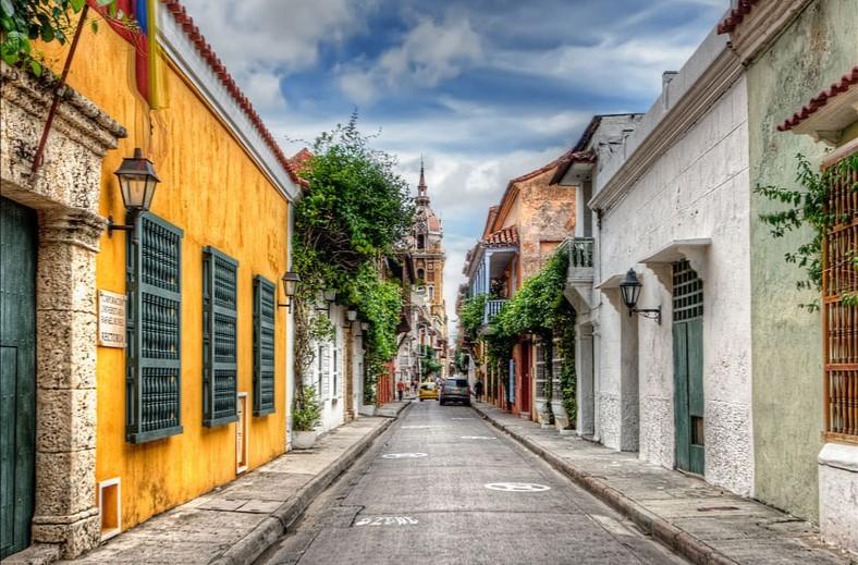 KLM verruilt Cali voor Cartagena