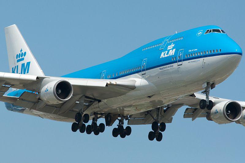 KLM Boeing 747 wijkt uit naar Moskou