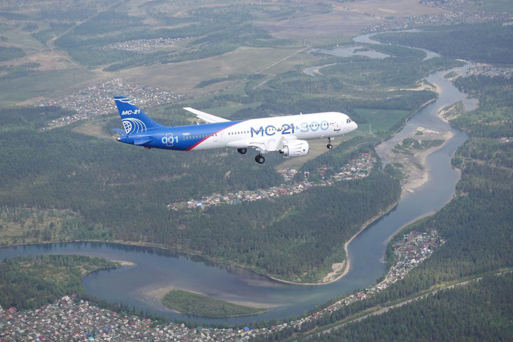 MC-21 voor het eerst de lucht in | Video