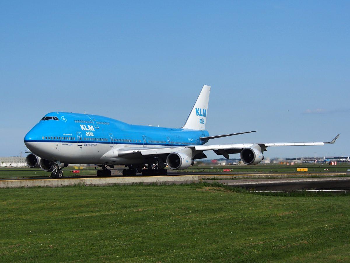 Zee van KLM-blauw in Boekarest - foto's