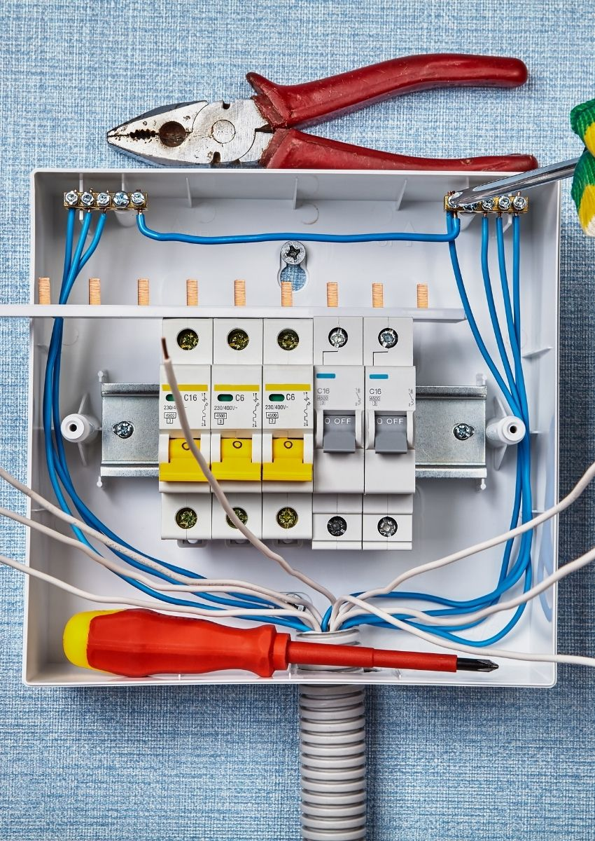 Consumer unit replacement in London