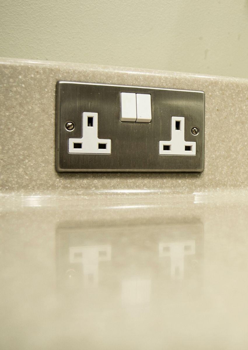 Double socket installation service