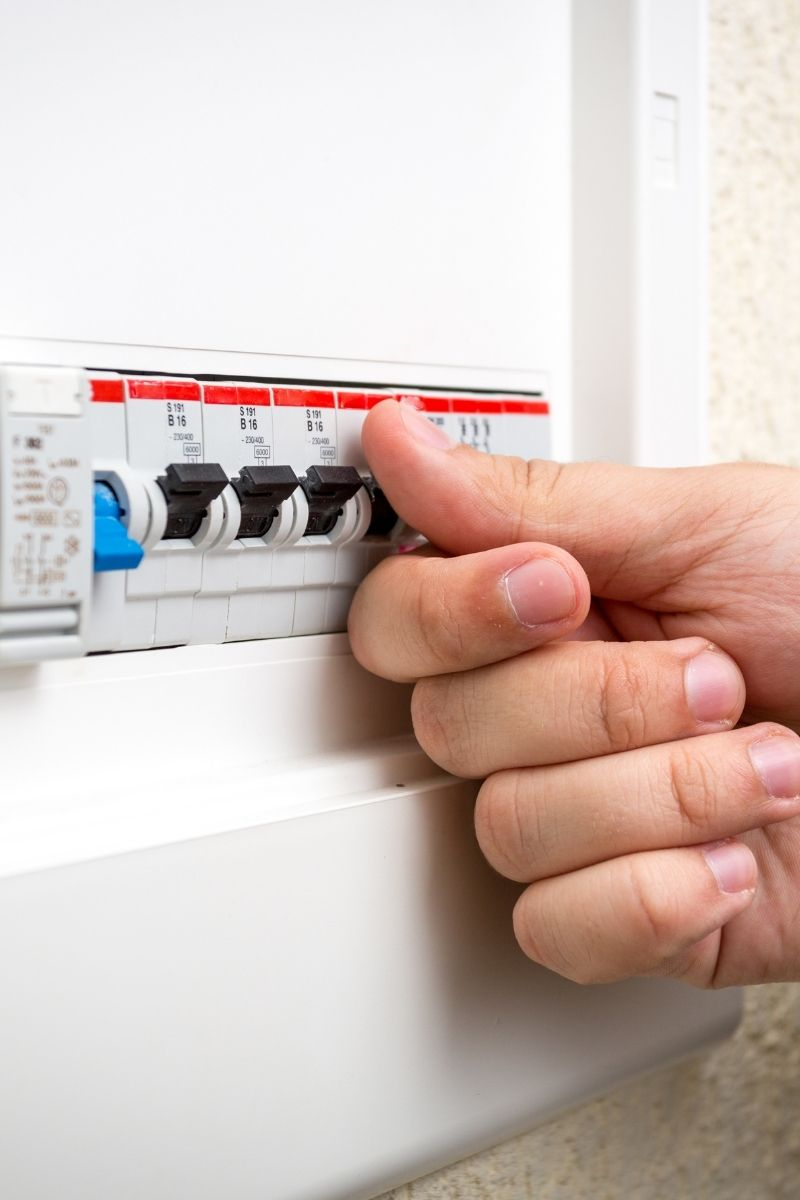 Qualified emergency electricians in London