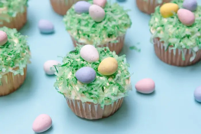 Really Simple Easter Cupcakes