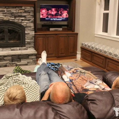 3 Essentials for a Fabulous Family Movie Night