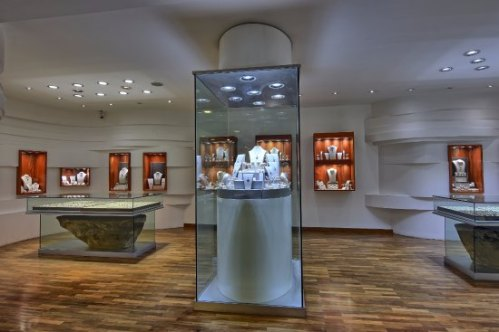 palliyaguruge-jewellery-showroom-interior