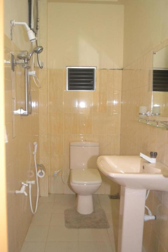 hotel_thilon_bathroom