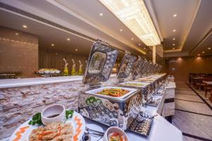 the_grand_mountain_hotel_food