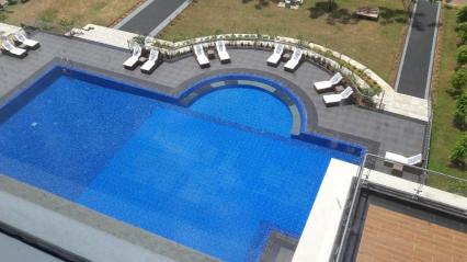 the_grand_mountain_hotel_swimming_pool