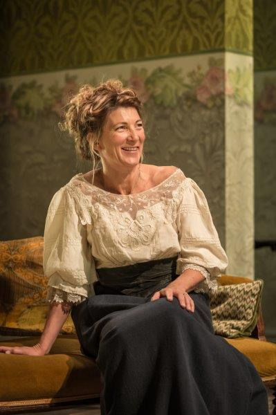 Review: ★★★ A Woman Of No Importance, Vaudeville Theatre