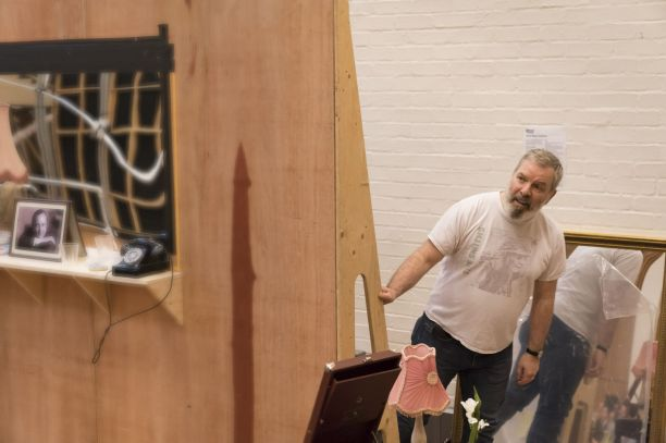 4. Lloyd Hutchinson in rehearsal for Absolute Hell (c) Johan Persson