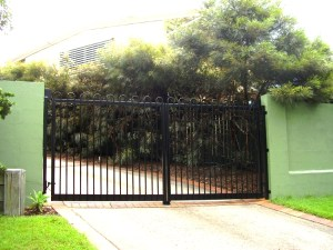 Aluminium loops gate