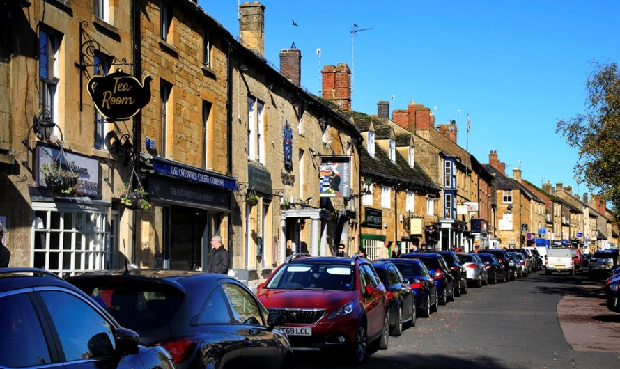 Town centre businesses urged to take up business support