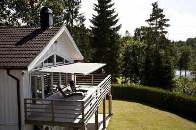 Terassmarkis Family Design på balkong