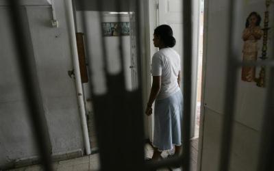 عاملة منزلية مهاجرة تدعي تعرضها لانتهاكات في لبنان