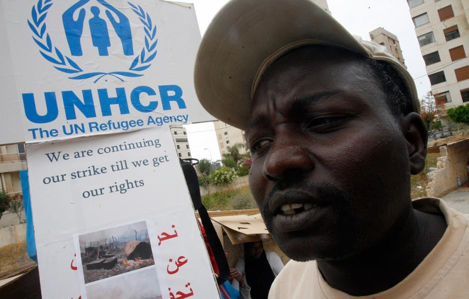 ثلاثة لاجئين سودانيين مُعتقلين لدى السلطات اللبنانية وقرار ترحيلهم مخالف للمعاهدات الدولية