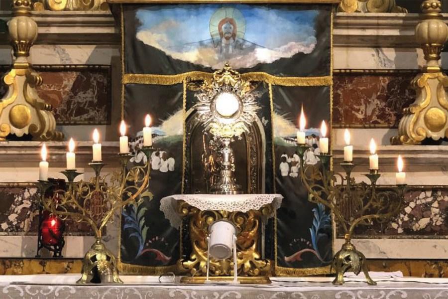 Domenica 5 Maggio Comunioni in Chiesa