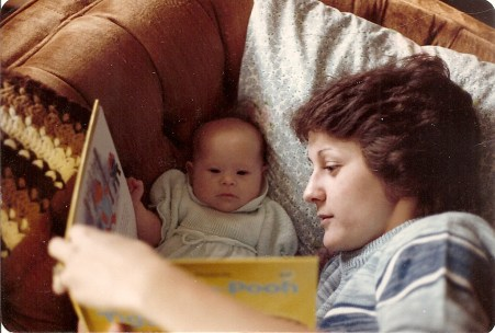Reading Pooh with Mom_Oct 19820001