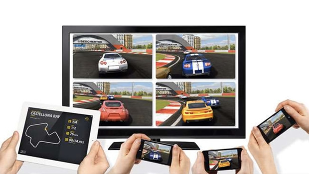 Example of Multi-device Complementary Experience - Real Racing