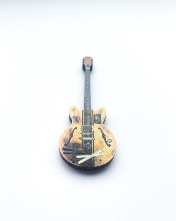 TOM_Guitar_V2_detail
