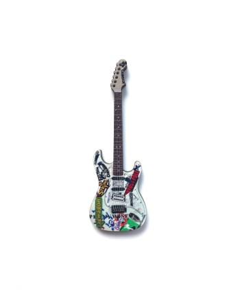 Tom Delonge Fender