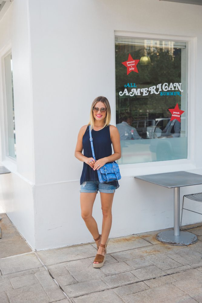 monochromatic summer outfit | Denim shorts outfit | Summer outfit
