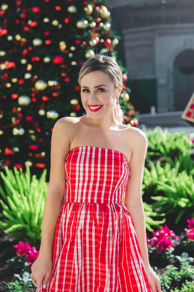 What to wear for the Holidays | Holiday Dress | Holiday Outfits | Uptown with Elly Brown