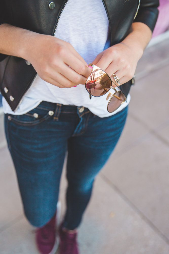 T-shirt and jeans look | Casual look | Casual Street look | Ray-Ban look | Uptown with Elly Brown