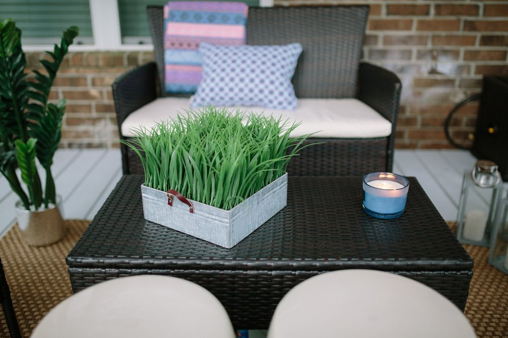 Patio Makeover | Budget friendly patio decor | Patio decor | Uptown with Elly Brown