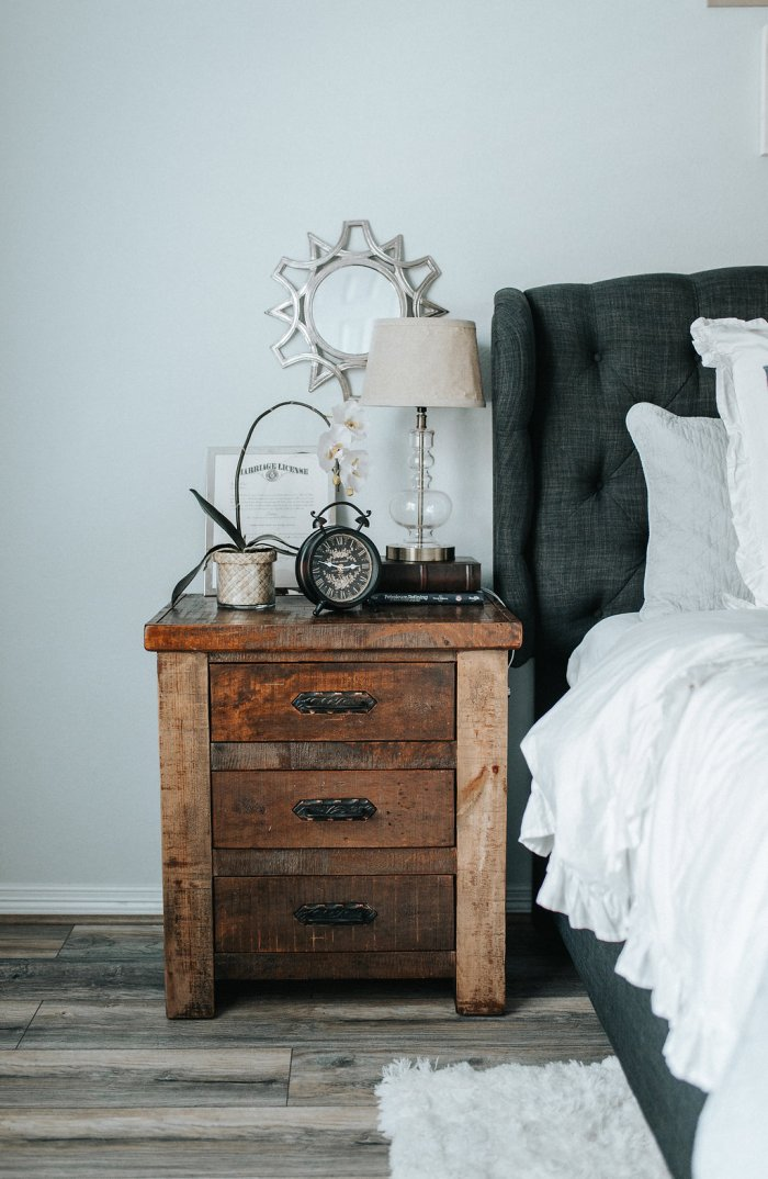 Nightstand Decor | Nightstand Ideas | Master bedroom Decor | Bedroom decor inspo | Uptown with Elly Brown