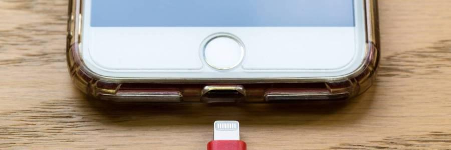 Cinco errores imperdonables al cargar su celular