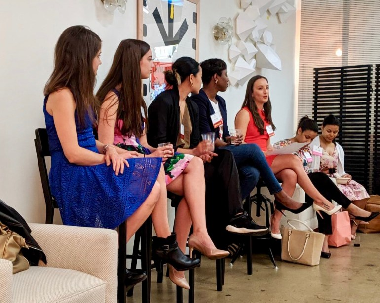 Last week, I was a moderator for the New York Women in Communications Network Panel! Here are my takeaways from some amazing female side hustlers!